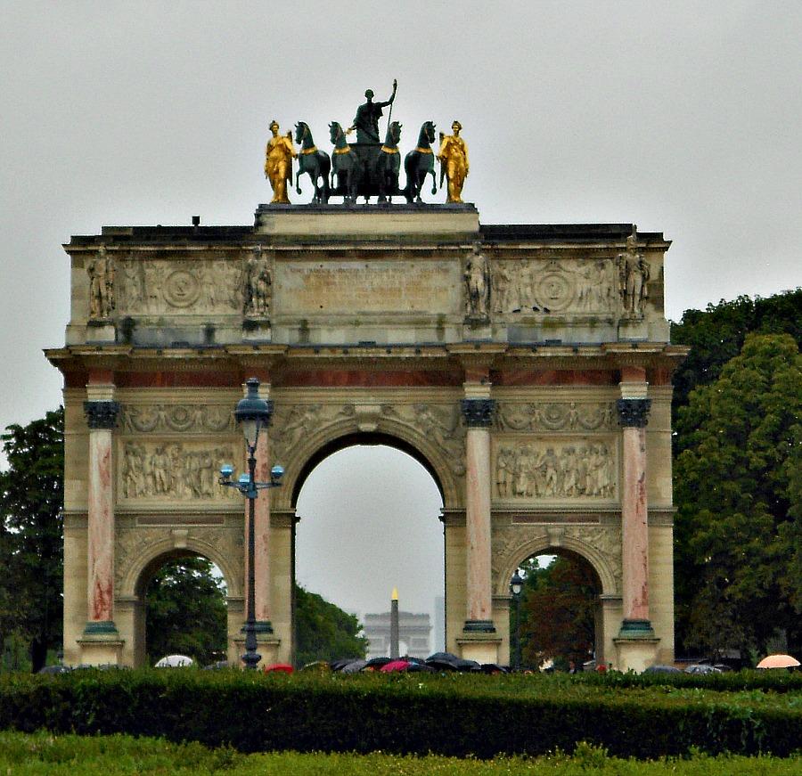 Arc de Triomphe du Carrousel via Food, Booze, & Baggage
