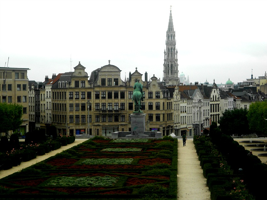Brussels via Food, Booze, & Baggage