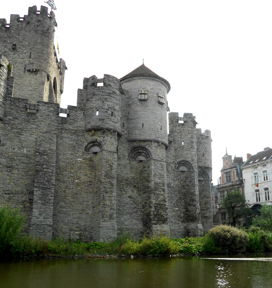 Gravensteen in Ghent via Food, Booze, & Baggage