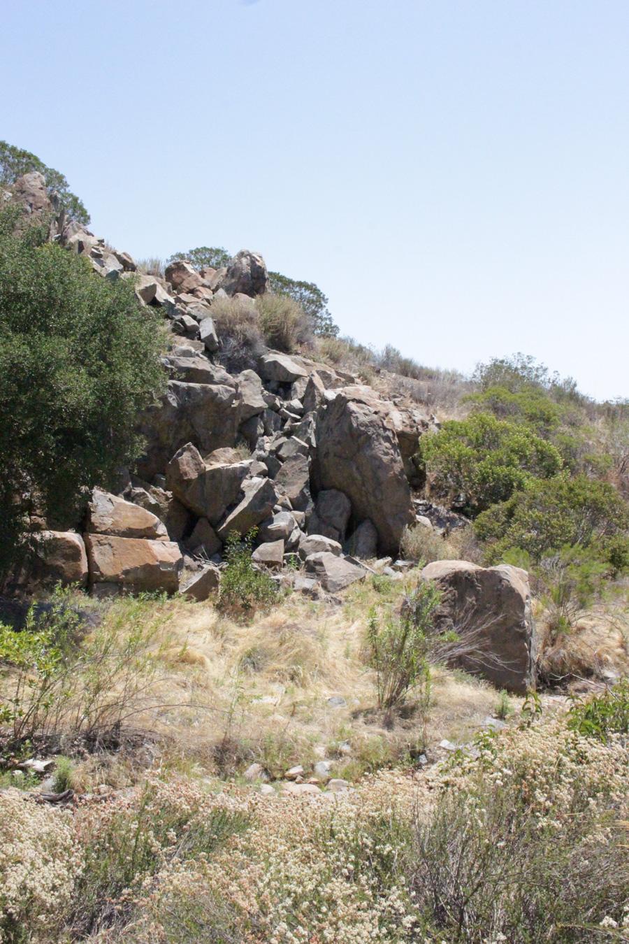 Rocky-Outcrop-along-Grassland-Loop